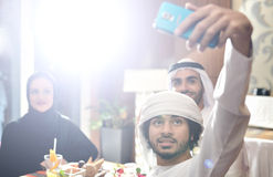 Diner arabe de famille d'Emirati Photos stock