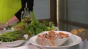 Diner fin avec le langoustine clips vidéos