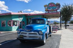 Diner in Kingman Arizona. November 10, 2015 Kingman, Arizona,USA: vintage collectors truck on roadside along historic route sixty six in front of famous diner Stock Photography