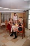 Diner met de vriend Stock Foto