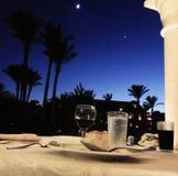 Diner onder de sterren in de zomer royalty-vrije stock foto