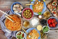 Diner tanle Traditioneel Italiaans diner in openlucht royalty-vrije stock foto