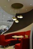 Diner Zetels, de binnenhuisarchitectuur van het luxerestaurant stock fotografie