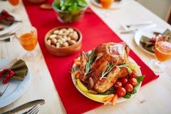Dinerlijst bij Dankzeggingsfeest stock afbeeldingen