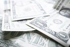 Dinero cercano para arriba con unos, Fives y Twemties de alta calidad fotografía de archivo libre de regalías
