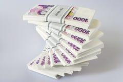 Dinero checo de la corona - billetes de banco en una pila - economía y finanzas Imágenes de archivo libres de regalías