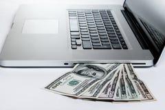 Dinero de Digitaces Imágenes de archivo libres de regalías