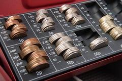 Dinero de la libra esterlina en caja fuerte Imágenes de archivo libres de regalías