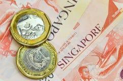 Dinero de Singapur en el fondo blanco Fotos de archivo libres de regalías