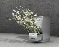 Dinero del vuelo de un armario para almacenar documentos El gabinete para los archivos se coloca en un piso concreto cerca de los Foto de archivo