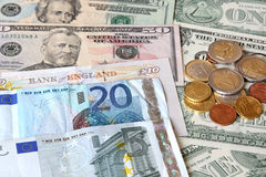 Dinero. Dinero en circulación del mundo Imágenes de archivo libres de regalías