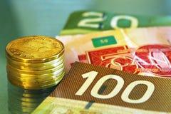 Dinero en circulación canadiense imagen de archivo
