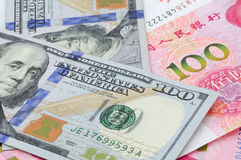 Dinero en circulación chino y americano Fotos de archivo