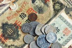 Dinero en circulación mezclado Imagenes de archivo