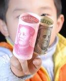 Dinero en circulación de China los E.E.U.U. Foto de archivo libre de regalías