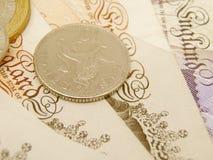 Dinero en circulación de la libra del Sterling británico Imagen de archivo libre de regalías
