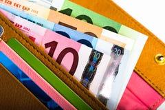 Dinero euro en cartera Foto de archivo libre de regalías