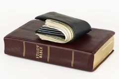 Dinero o DIOS de la adoración imagen de archivo
