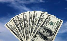 Dinero sobre el cielo Imagenes de archivo