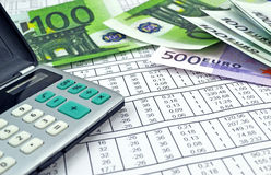 Dinero y calculadora Imágenes de archivo libres de regalías