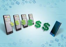Dinero y contenido de la transferencia de Smartphones Fotos de archivo libres de regalías
