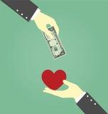 Dinero y corazón de Hands Exchanging Between del hombre de negocios Fotos de archivo libres de regalías