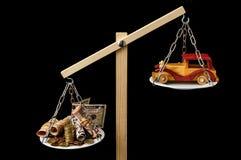 Dinero y Toy Wooden Car Fotografía de archivo libre de regalías