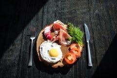 Dinerplaat met jambon Stock Fotografie
