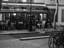 Diners at an outdoor bistro Royalty Free Stock Photography