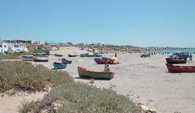 Dinghies na plaży Obrazy Royalty Free