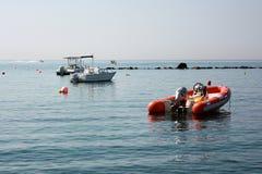 Dinghy на воде Стоковое Изображение RF