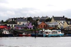 Dingle Ierland met Haven en Boten royalty-vrije stock afbeelding