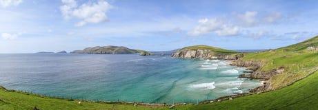 Dinglefjärd, ståndsmässiga Kerry, Irland under en solig dag Arkivfoto