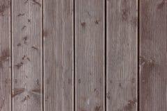 Dingy γκρίζα κάθετη σύσταση Planking τοίχων σιταποθηκών ξύλινη Παλαιές σταθερές ξύλινες Slats αγροτικές Shabby γκρίζες βάσεις Σκο στοκ εικόνες με δικαίωμα ελεύθερης χρήσης