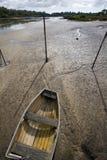 Dingy με άμπωτη Στοκ φωτογραφία με δικαίωμα ελεύθερης χρήσης