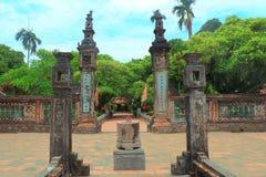 Dinh & Le Dynasti Tempel Royaltyfria Bilder
