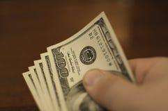 Dinheiro à disposicão Fotos de Stock Royalty Free