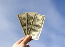 Dinheiro à disposicão Fotografia de Stock Royalty Free