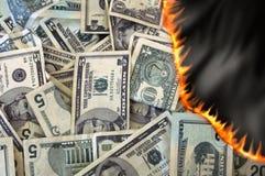 Dinheiro ardente Fotografia de Stock Royalty Free