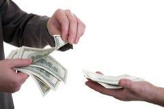 Dinheiro da contagem Fotografia de Stock Royalty Free