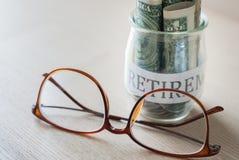 Dinheiro da economia para o plano de aposentação Fotos de Stock