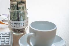 Dinheiro da economia para o plano de aposentação Imagem de Stock Royalty Free
