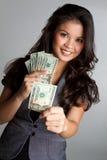 Dinheiro da terra arrendada da mulher fotografia de stock royalty free