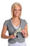 Dinheiro da terra arrendada da mulher nova Imagens de Stock Royalty Free