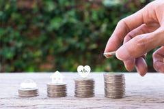 Dinheiro das economias para conceitos do futuro da vida foto de stock