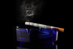 Dinheiro de fumo Fotografia de Stock Royalty Free