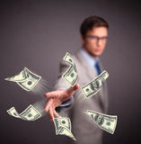 Dinheiro de jogo do homem novo Imagens de Stock Royalty Free