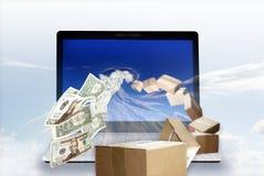 Dinheiro dentro, pacote para fora Fotos de Stock