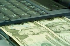 Dinheiro do computador Fotos de Stock Royalty Free