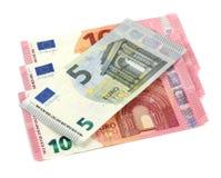 Dinheiro do Euro isolado no fundo branco Imagem de Stock